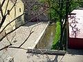 Svitavský náhon u železniční trati.jpg