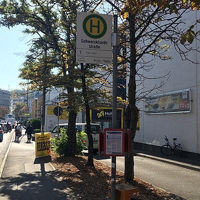 Tübingen-Schweickhardtstraße-Bushaltestelle-2.jpg