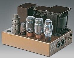 Высококачественный ламповый усилитель звуковых частот LEAK TL/12.