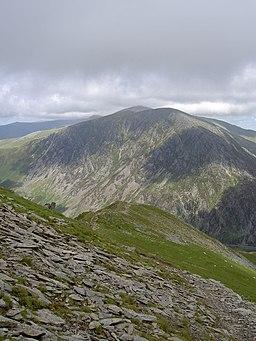 The ridge back to Pinnacle Crag - geograph.org.uk - 488482