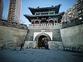 Tongji Gate at night 2020-12-13 3.jpg