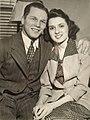 Tony Zale marriage 1942.jpg