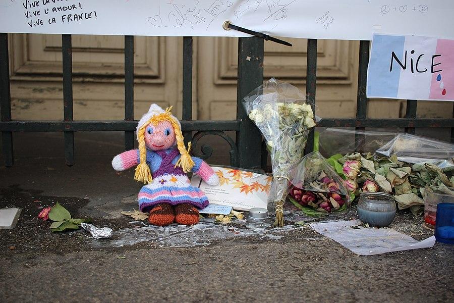 Tours - Hommage aux victimes de Nice (02).jpg