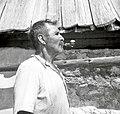 Tronččev oče v Lepeni 123 s fajfo 1952.jpg