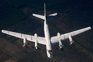Tupolev Tu-95MS (RF-94124) in flight.jpg