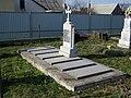 Turiysk Volynska-grave of family Yarmolovych.jpg