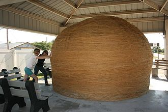 Biggest ball of twine - Largest community-rolled ball of twine, located in Cawker City, Kansas (2013)