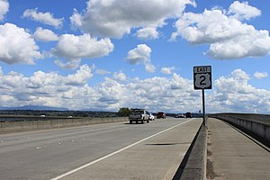 U.S. Route 2 in Washington - Image: US 2 eastbound near Everett
