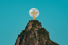 Unique Moment with the Moon and Christ the Redeemer 3.jpg