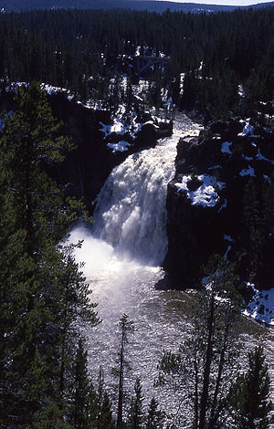 Upper Falls of the Yellowstone River.jpg