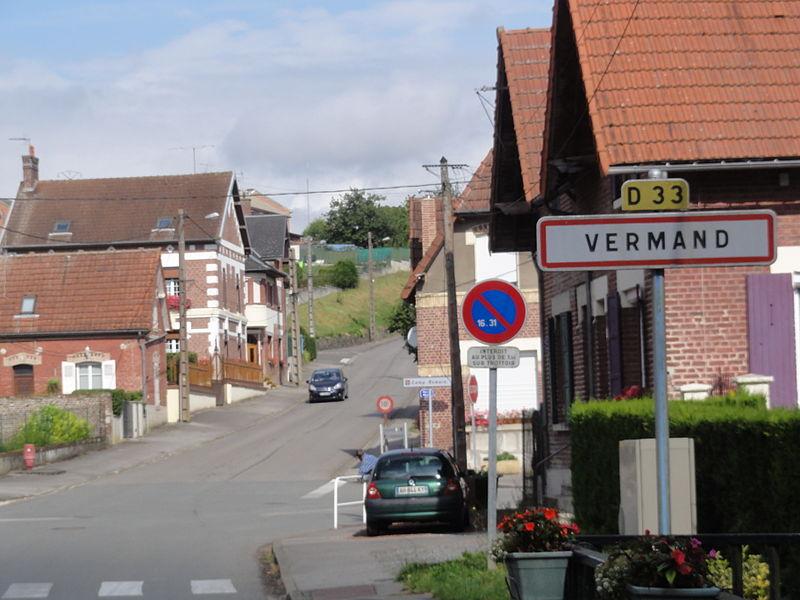 Vermand (Aisne) city limit sign
