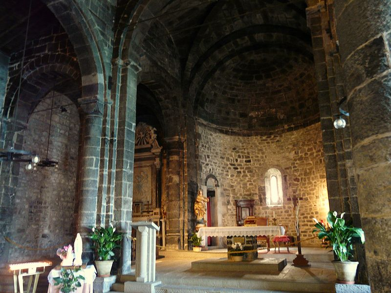 File:Vernazza-chiesa Santa Margherita-interno.jpg