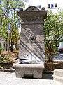 Würzburg - Brunnen gegenüber dem Stift Haug.jpg