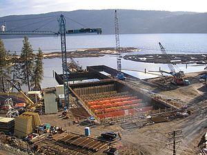 William R. Bennett Bridge - Image: WRB bridge pontoon construction