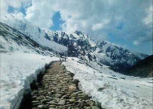 Kedarnath Temple - Way to kedarnath temple in early winter