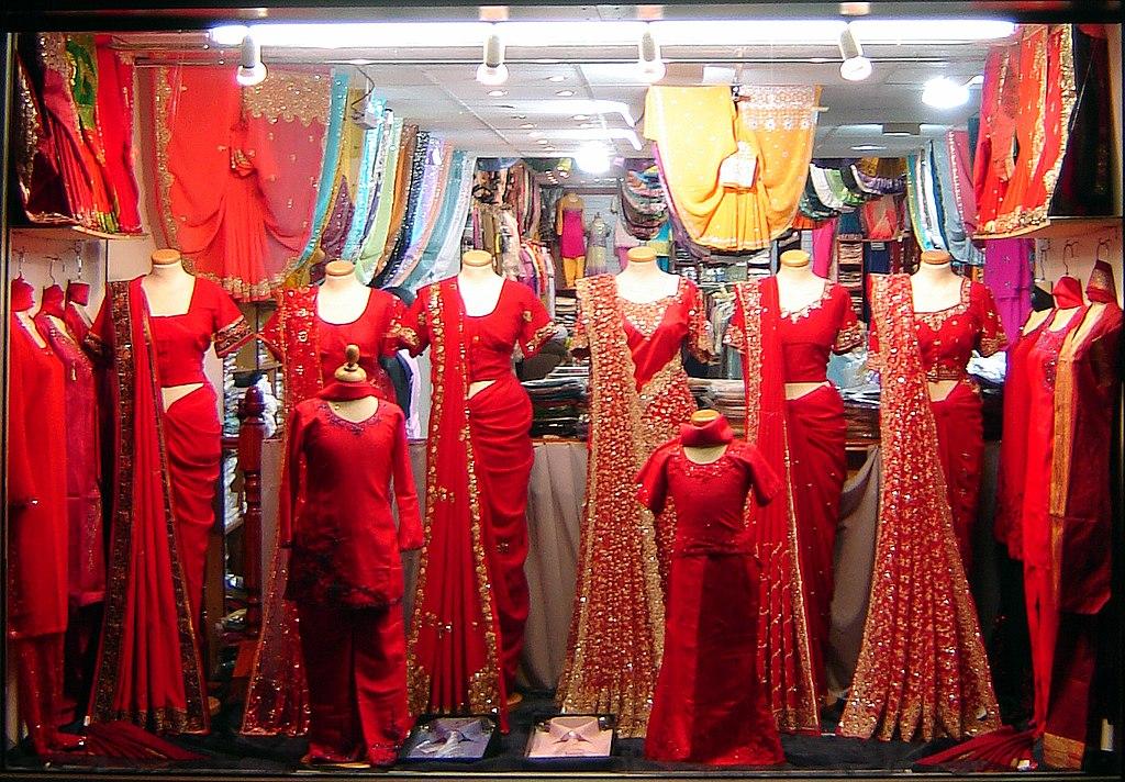 File Wedding Dress Shop Jpg Wikimedia Commons,Lace Vintage Style Plus Size Wedding Dresses