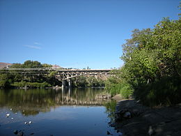 Wenatchee, WA - SR 285 bridge across Wenatchee River.jpg