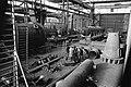 Werknemers van Werkspoor Utrecht staken. Discussierende stakende arbeiders in ee, Bestanddeelnr 922-9620.jpg