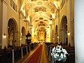 Wnętrze kościóła pw. św. Świętej Trójcy w Bydgoszczy, w głębi ołtarz główny.jpg