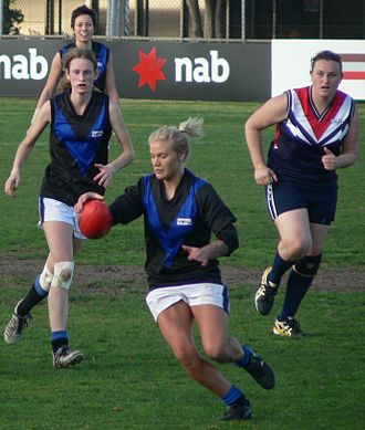 Melbourne University Football Club - Melbourne University women's team during their 2007 VWFL Grand Final appearance.