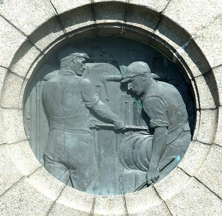 War memorial tribute to local workers in heavy industries Workington War Memorial Heavy Industry.jpg