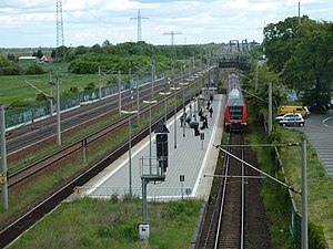 Wustermark railway station - View of the facilities of the station from the bridge of Bundesstraße 5