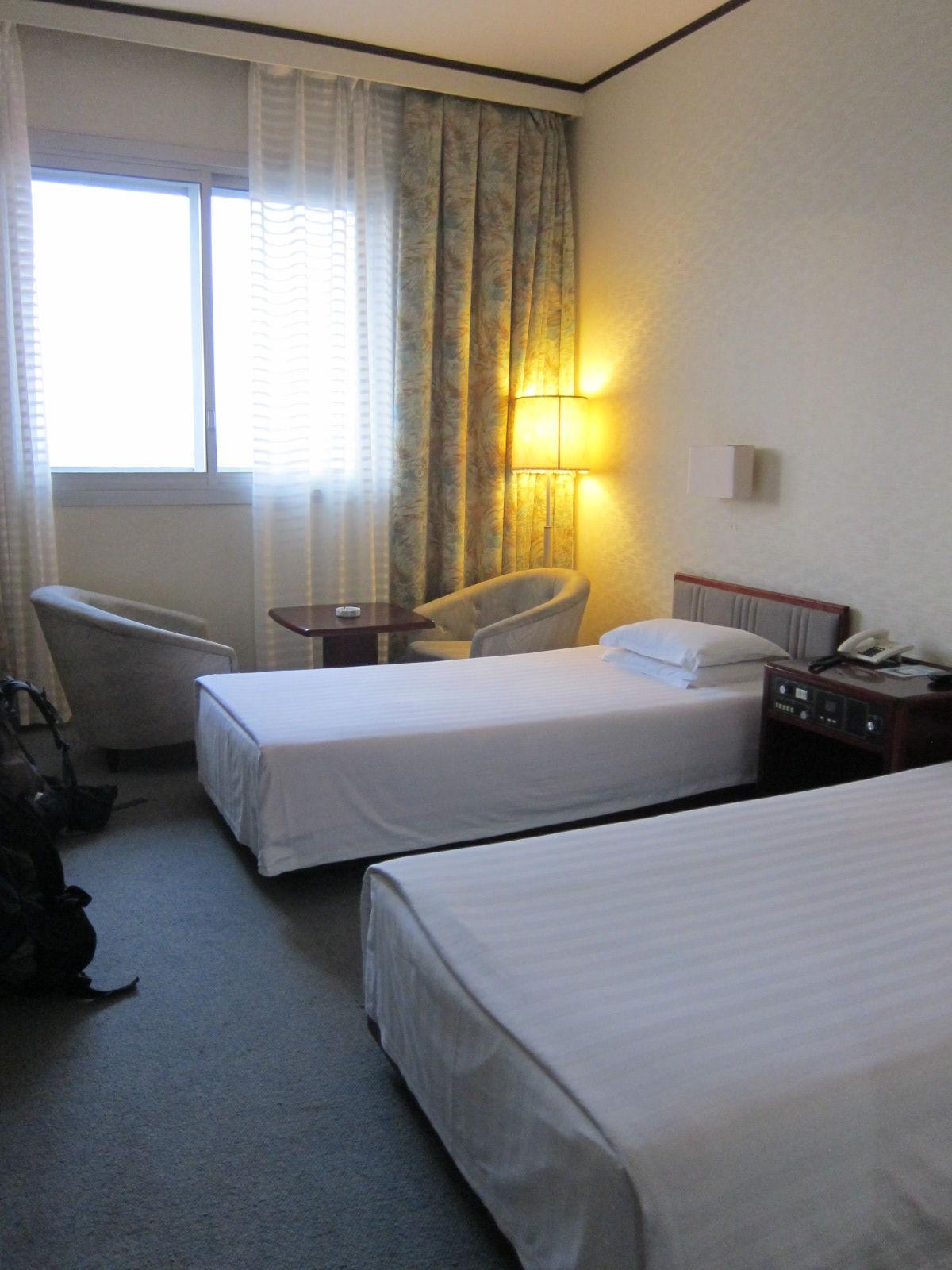 Yanggakdo Hotel Room