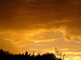 Yellow clouds before thunderstorm 3.JPG