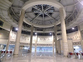 Yenikapı Transfer Center - The central hall of the Yenikapı complex with the turnstiles to the Marmaray platform visible.