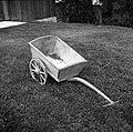 """""""Kula"""", dvokolesni voziček za razno pripeljat. Lastnik pri Ruparju, Veliki Osolnik 1960.jpg"""
