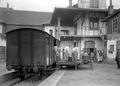 Äpfel werden von der Eisenbahn abgeladen - CH-BAR - 3239202.tif
