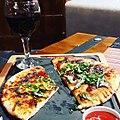Пица и вино комбинација.jpg
