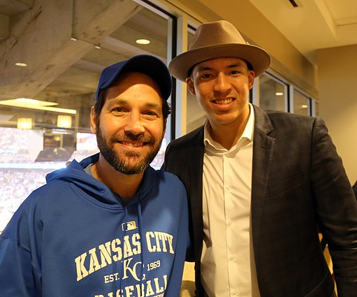 -WorldSeries Game 1- Paul Rudd and Carlos Correa (22697468520)