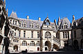 0 Château de Pierrefonds - Galerie et bâtiments nord de la Cour d'honneur (1).JPG