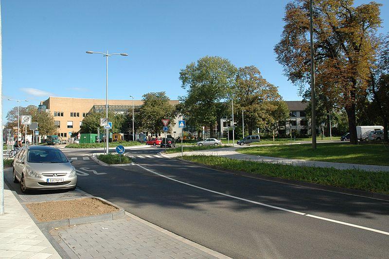 File:1031616 Amtsgericht Euskirchen.jpg