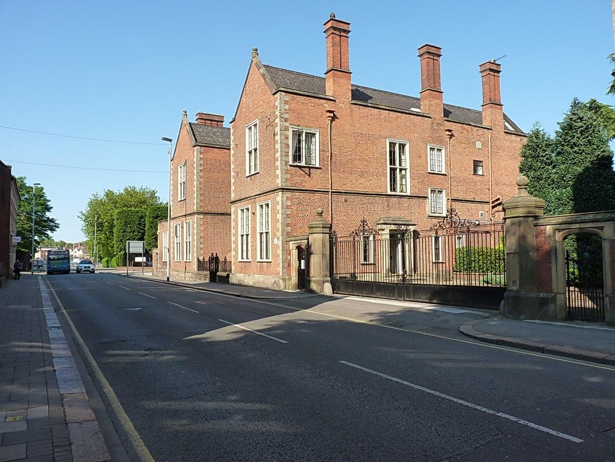 136 High Street, Burton upon Trent.jpg