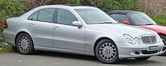 Mercedes-Benz E-Class (W211) - Image: 2002 2006 Mercedes Benz E Class (W211) Elegance sedan 01