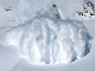 Powder snow avalanche