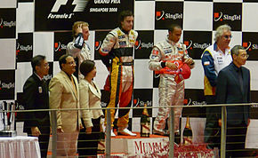 290px-2008_Singapore_Grand_Prix_podium.j