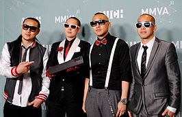 Far East Movement in 2011, met v.l.n.r. J-Splif, Kev Nish, Prohgress en DJ Virman