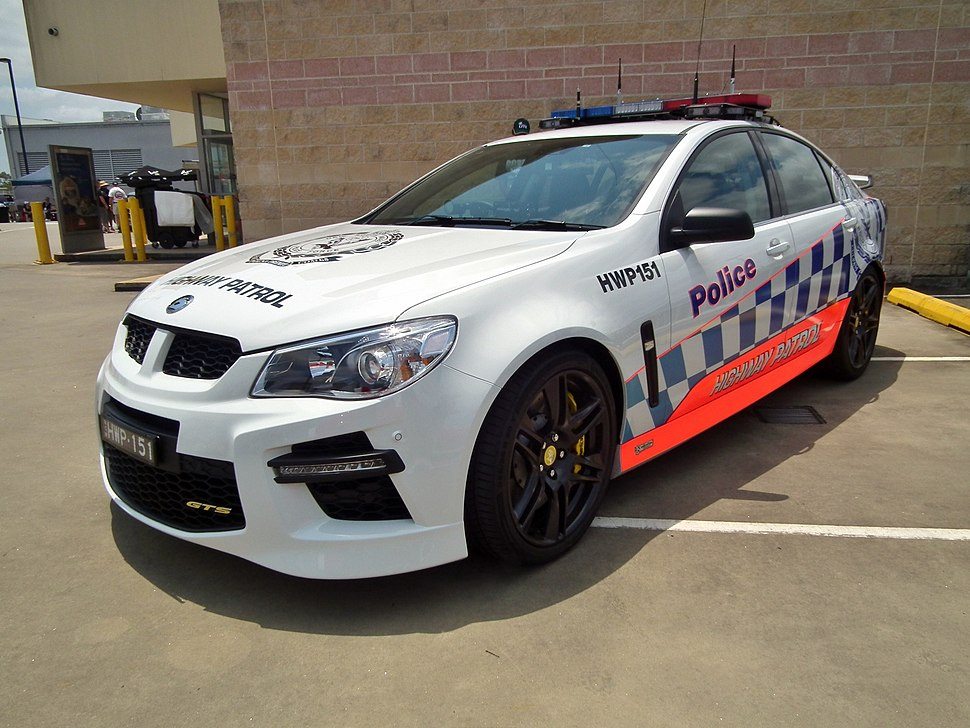 2013 HSV F-series (VF) GTS sedan - NSW Police (12403878613)