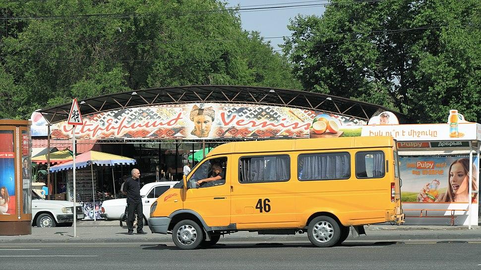 2014 Erywa%C5%84, Marszrutka w centrum stolicy (01)