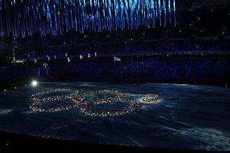 2014 Winter Olympics closing ceremony - Image: 2014 Winter Olympics closing ceremony, rings