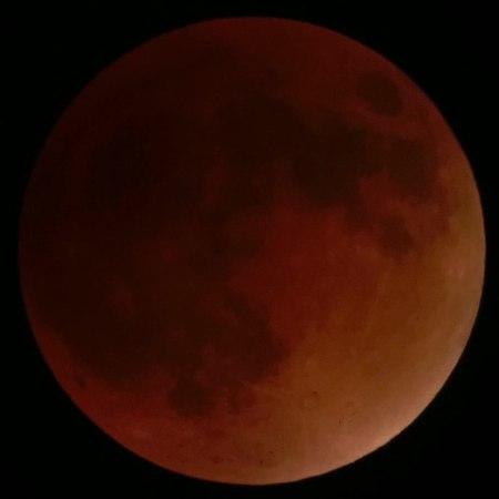 File:2015-09-28 06-30-00 eclipse-lune-timelapse.ogv
