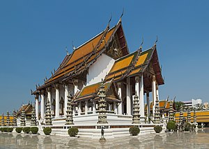 Wat Suthat - Image: 2016 Bangkok, Dystrykt Phra Nakhon, Wat Suthat (34)
