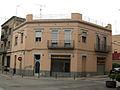 489 Edifici a la cantonada dels carrers Hortes i Vilabertran.jpg