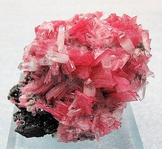 Rhodonite Single chain manganese inosilicate (MnSiO3)