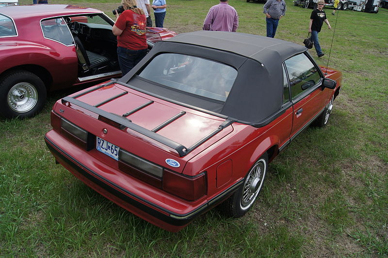 File:88 Ford Mustang (8762103286).jpg