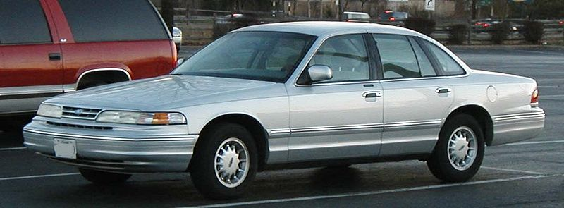 파일:95-97 Ford Crown Victoria.jpg