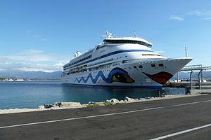 AIDA vita im Hafen von Ajaccio, Korsika.JPG